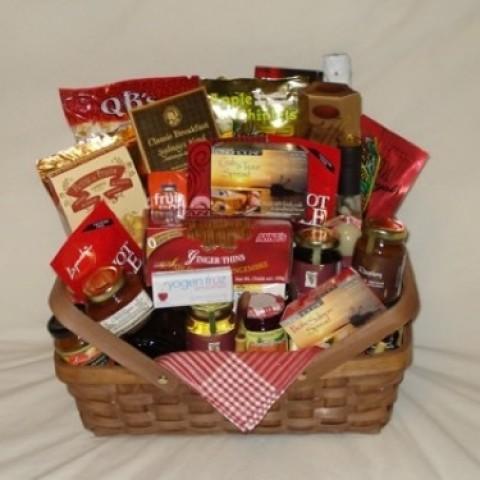 A Fancy Picnic Gift Basket