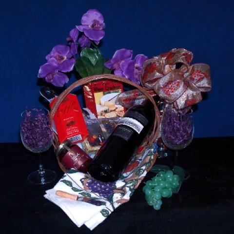 Vineyard Delight Gourmet Wine Gift Basket